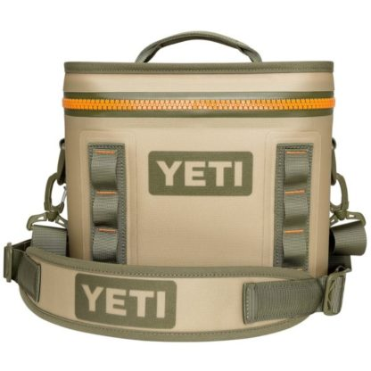Yeti Hopper Flip Cooler in Field Tan